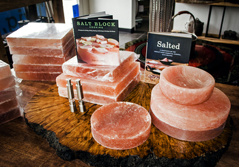 12 Quot Salt Block Round Air Grill Amp Salt Blocks
